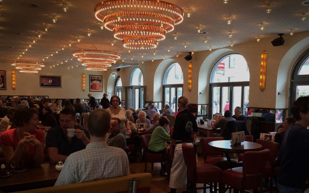 """Café Extrablatt"" in der historischen Schlosswache"