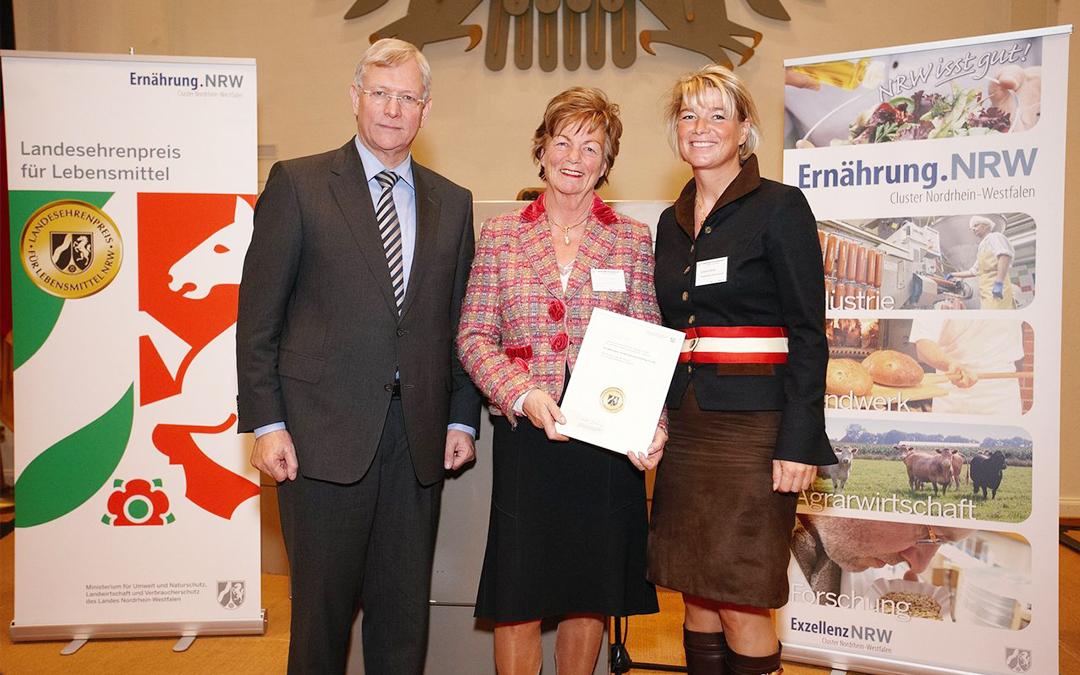 """Minister Eckhard Uhlenberg verleiht """"Landesehrenpreis für Lebensmittel NRW"""" – beste Qualität und guter Geschmack werden honoriert"""